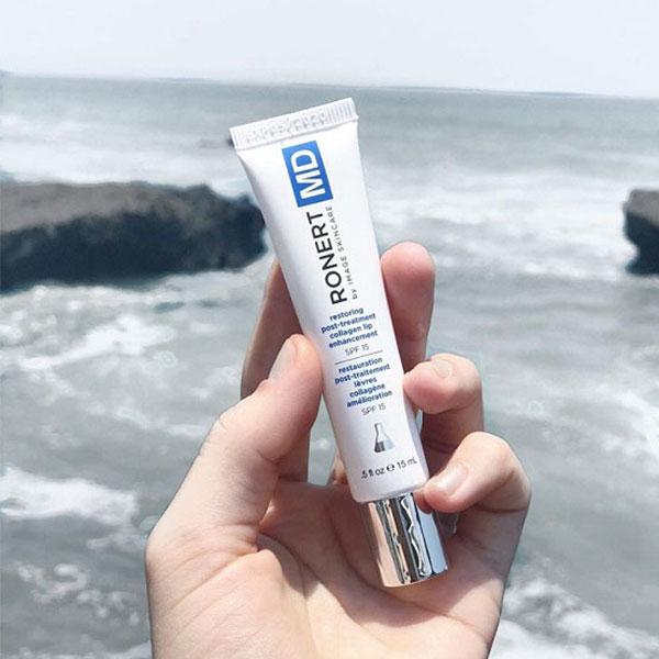 Nhớ sử dụng chống nắng cho môi ngăn ngừa thâm sạm