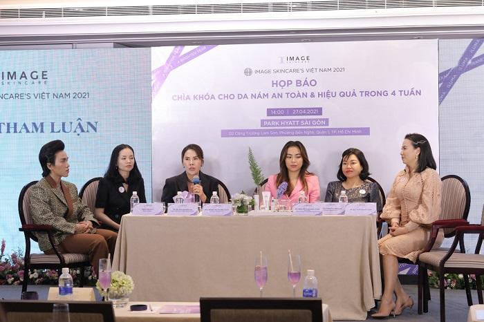 Nhiều bác sĩ, dược sĩ và beauty blogger nổi tiếng nói về sản phẩm nám Iluma