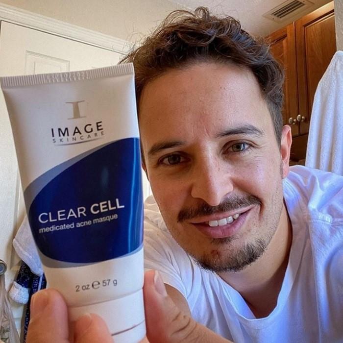 Clear Cell dành cho mọi đối tượng nam, nữ muốn điều trị mụn