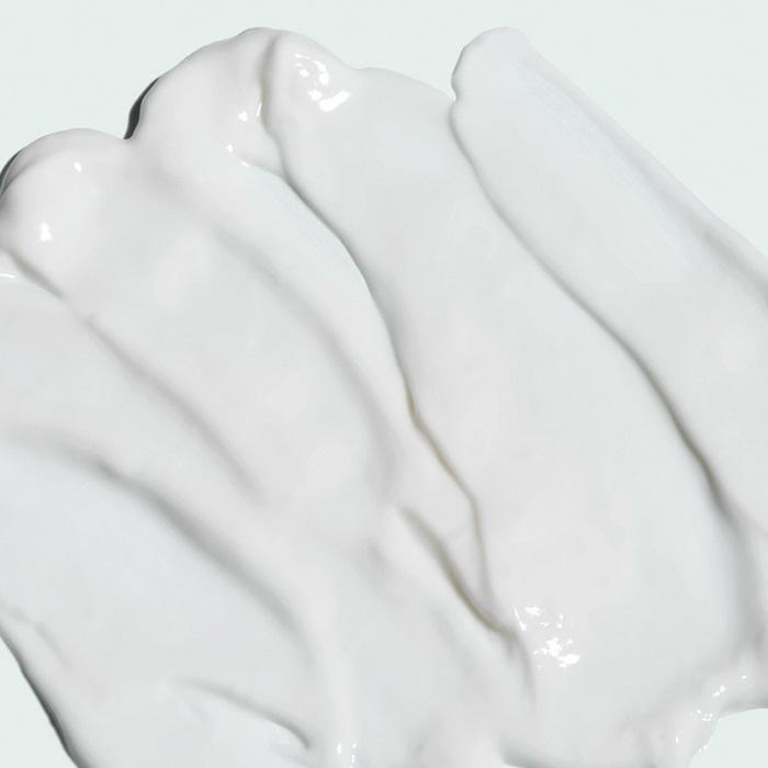 Chất kem màu trắng mềm nhẹ