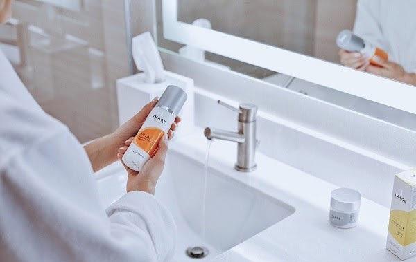 Sữa rửa mặt dưỡng ẩm làm trắng da Image Vital C Hydrating Facial Cleanser
